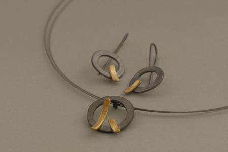 Δίχρωμα χειροποίητα ασημένια κοσμήματα από ασήμι