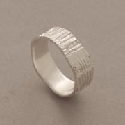 Aνδρικό ασημένιο δαχτυλίδι με γραμμώσεις D1382b