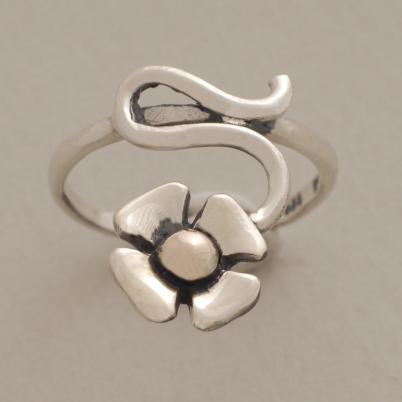 Χειροποίητο ασημόχρυσο δαχτυλίδι λουλουδάκι, κόσμημα εμπνευσμένο από τη φύση D1498