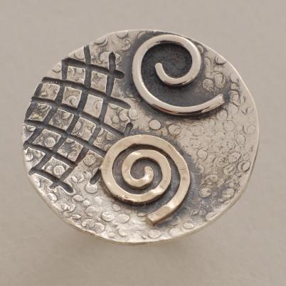 Ασημόχρυσο δαχτυλίδι με γραμμώσεις, χρυσή, ασημένια σπείρα D1515