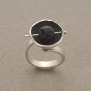 Χειροποίητο δαχτυλίδι  από ασήμι οξειδωμένο, με λάβα D2047