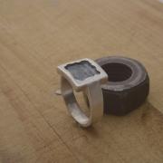 Χειροποίητο ανδρικό οξειδωμένο ασημένιο δαχτυλίδι DA112