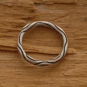Ματ ανδρικό δαχτυλίδι από ασήμι οξειδωμένο, στρογγυλή φόρμα DA26