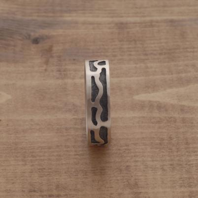 Aνδρικό δαχτυλίδι από ασήμι οξειδωμένο DA28