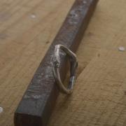Χειροποίητο ανομοιόμορφο ασημένιο δαχτυλίδι DA91