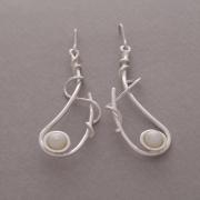 Χειροποίητα σκουλαρίκια με μαργαριτάρια σε ασημένιο γάντζο, S1492