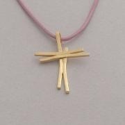 Χειροποίητος λαμπερός γυναικείος σταυρός από ασήμι επιχρυσωμένο, με κορδόνι ST623x